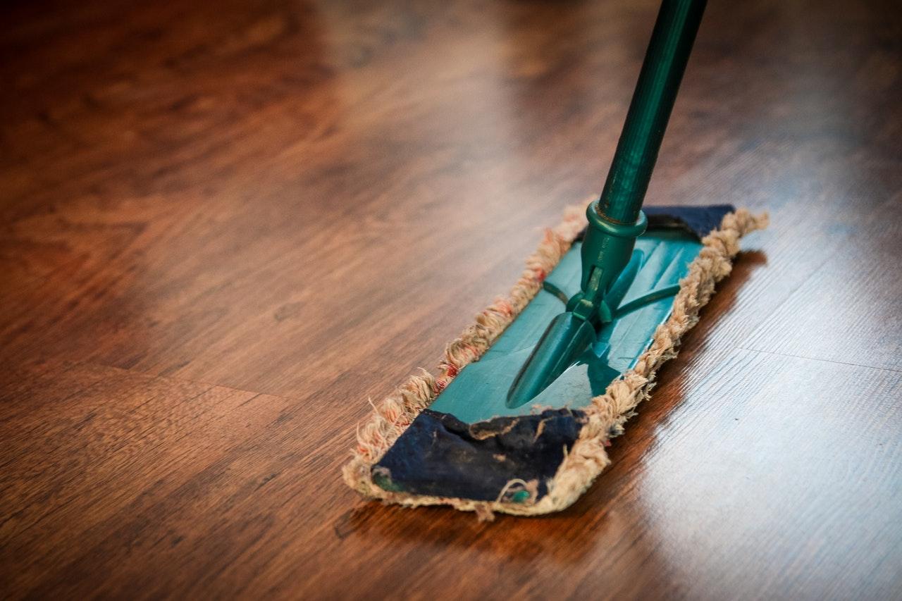 Ważne pytania, które należy zadać przed zatrudnieniem profesjonalnej firmy sprzątającej